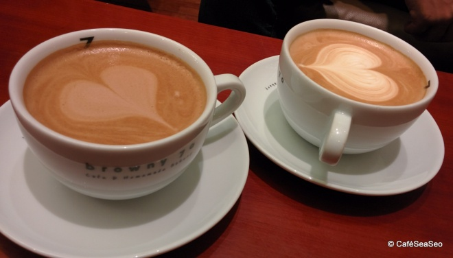 70 real mocha and a café latte at browny 70